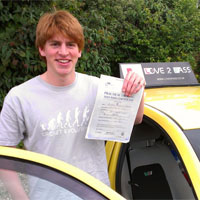 driving school in woodley - love 2 pass